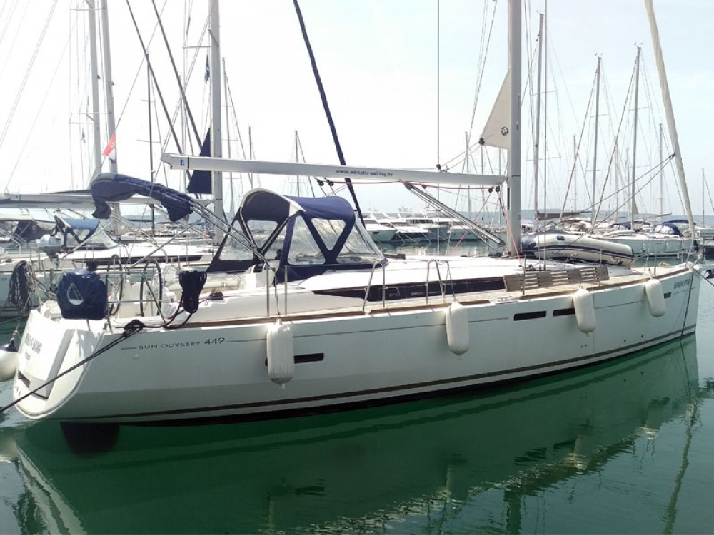 Sailboat for rent Marina Kaštela at the best price