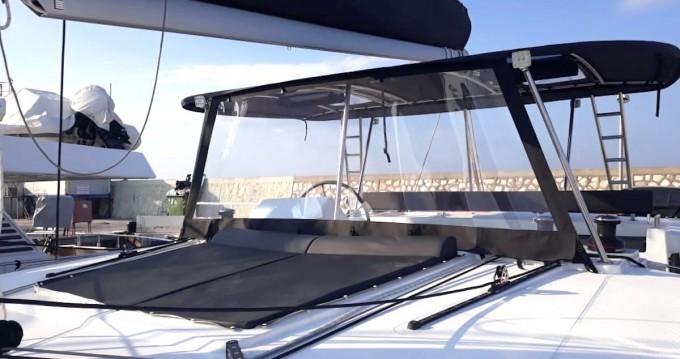 Boat rental Lagoon Lagoon 450 F in Athens on Samboat
