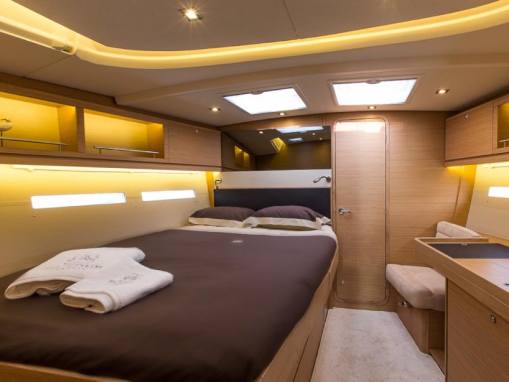 Rental Sailboat in Marina Gouvia - Dufour Dufour 56 Exclusive