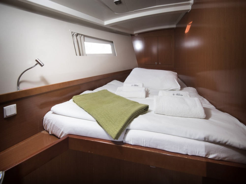 Boat rental Kaštel Gomilica cheap Oceanis 45