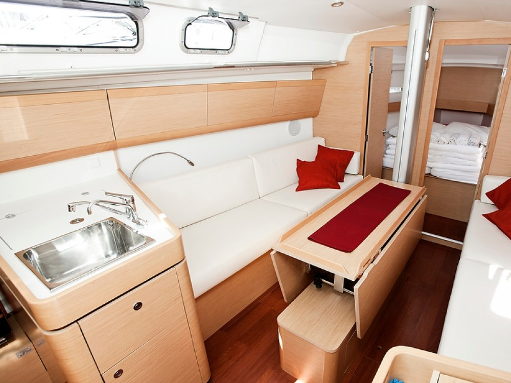 Bénéteau Beneteau First 35 between personal and professional