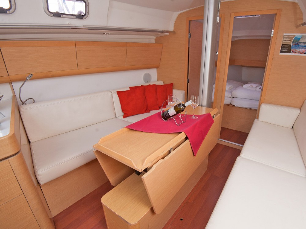 Rental Sailboat in Kaštel Gomilica - Bénéteau Beneteau First 35
