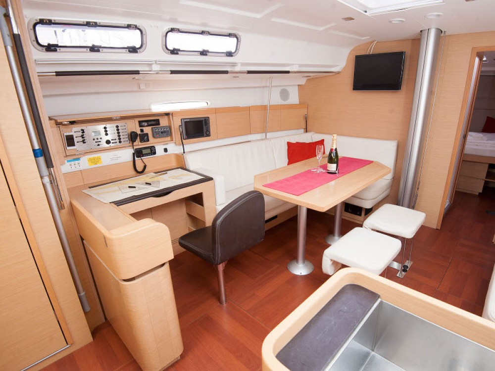 Rental Sailboat in  - Bénéteau Beneteau First 45