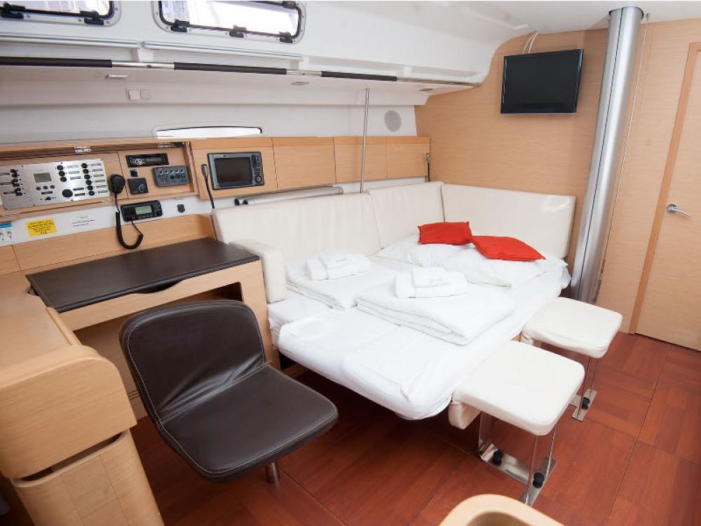 Rental Sailboat in Kaštel Gomilica - Bénéteau Beneteau First 45
