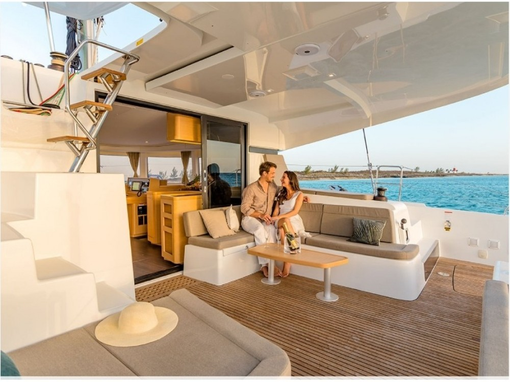 Hire Catamaran with or without skipper Lagoon Porto Pozzo