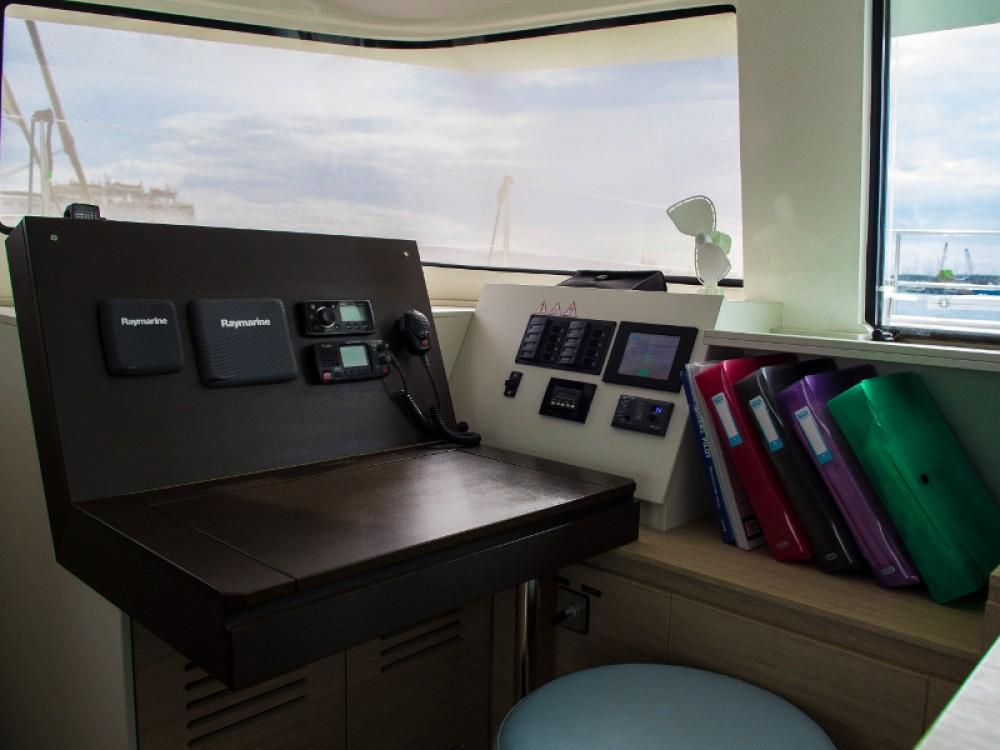 Rental yacht Laurium - Bali Bali 4.5 on SamBoat