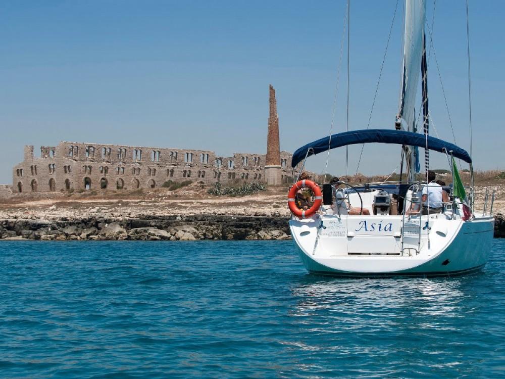 Rent a Dufour Dufour 455 GL Marina di Ragusa