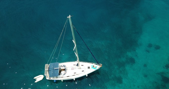 Boat rental Bavaria Bavaria 43 Cruiser in Athens on Samboat