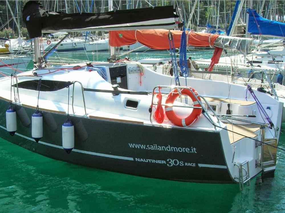 Boat rental Navene cheap Nautiner 30S Race