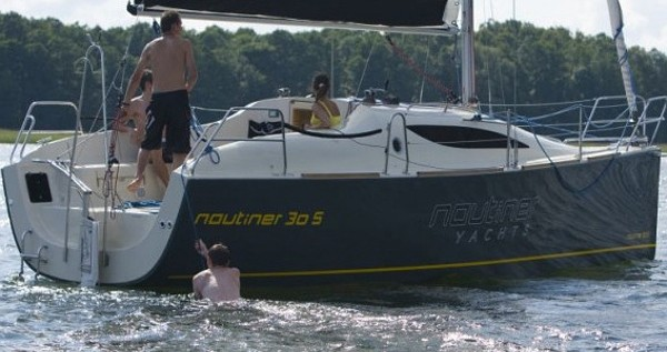Sailboat for rent Malcesine at the best price