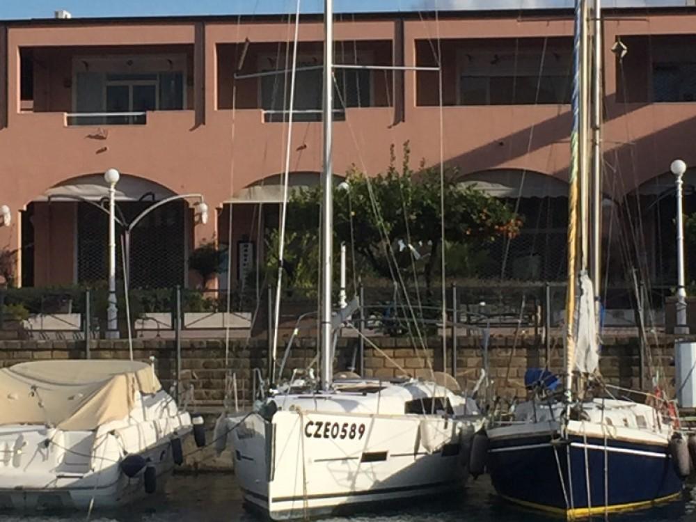 Rental yacht Furnari - Dufour Dufour 382 Grand Large Notus 2016 on SamBoat