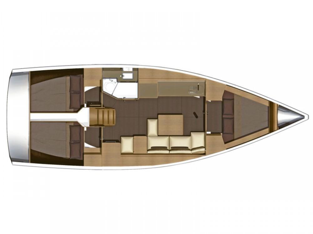 Rental Sailboat in Furnari - Dufour Dufour 382 Grand Large Notus 2016