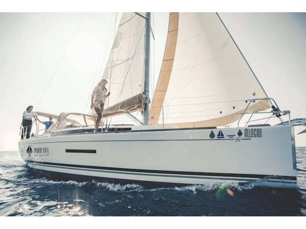 Rental Sailboat in Ponta Delgada (São Pedro) - Dufour Dufour Grand Large 382