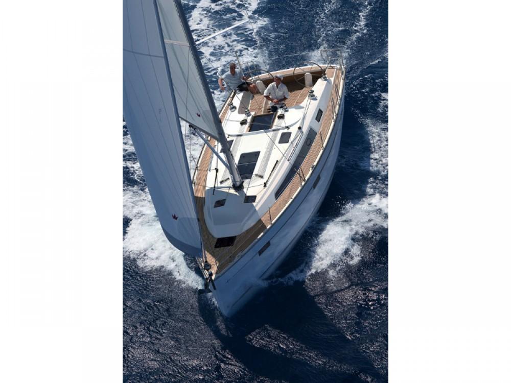 Rental yacht Ponta Delgada (São Pedro) - Bavaria Bavaria Cruiser 41 on SamBoat