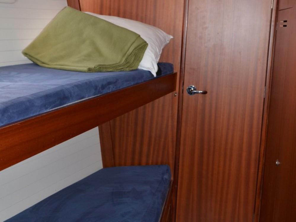 Boat rental  cheap Delphia 47-Ice