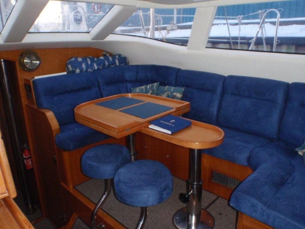 Boat rental Norway cheap Wauquiez Pilot Salon 43