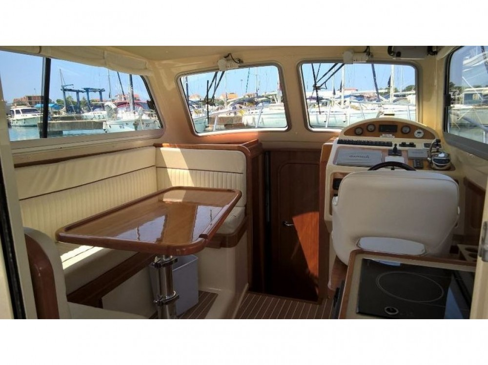 Hire Motor boat with or without skipper Damor Murter