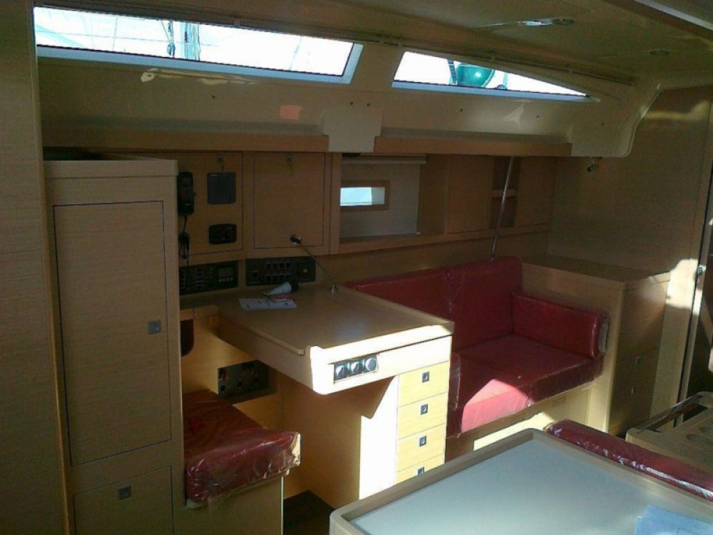 Hire Sailboat with or without skipper Elan Murter
