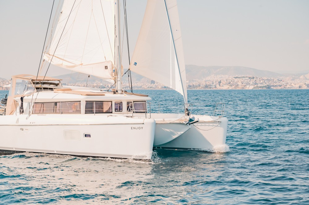 Rental Catamaran in  - Lagoon Lagoon 421