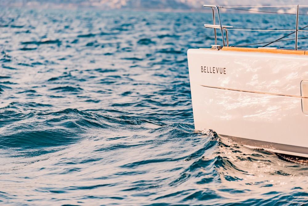 Rent a Lagoon Lagoon 380 Álimos