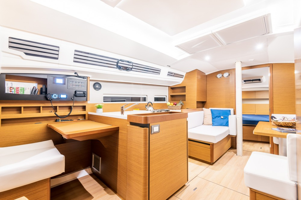 Boat rental Alimos Marina cheap Sun Odyssey 410