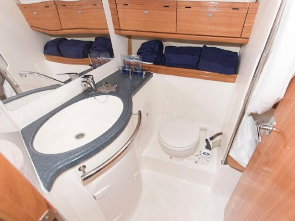 Rental yacht Castrignano del Capo - Bavaria Bavaria 46 on SamBoat