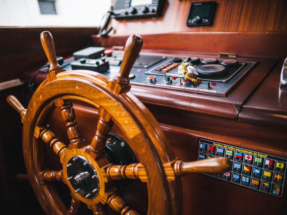 Sailboat for rent Lipari at the best price