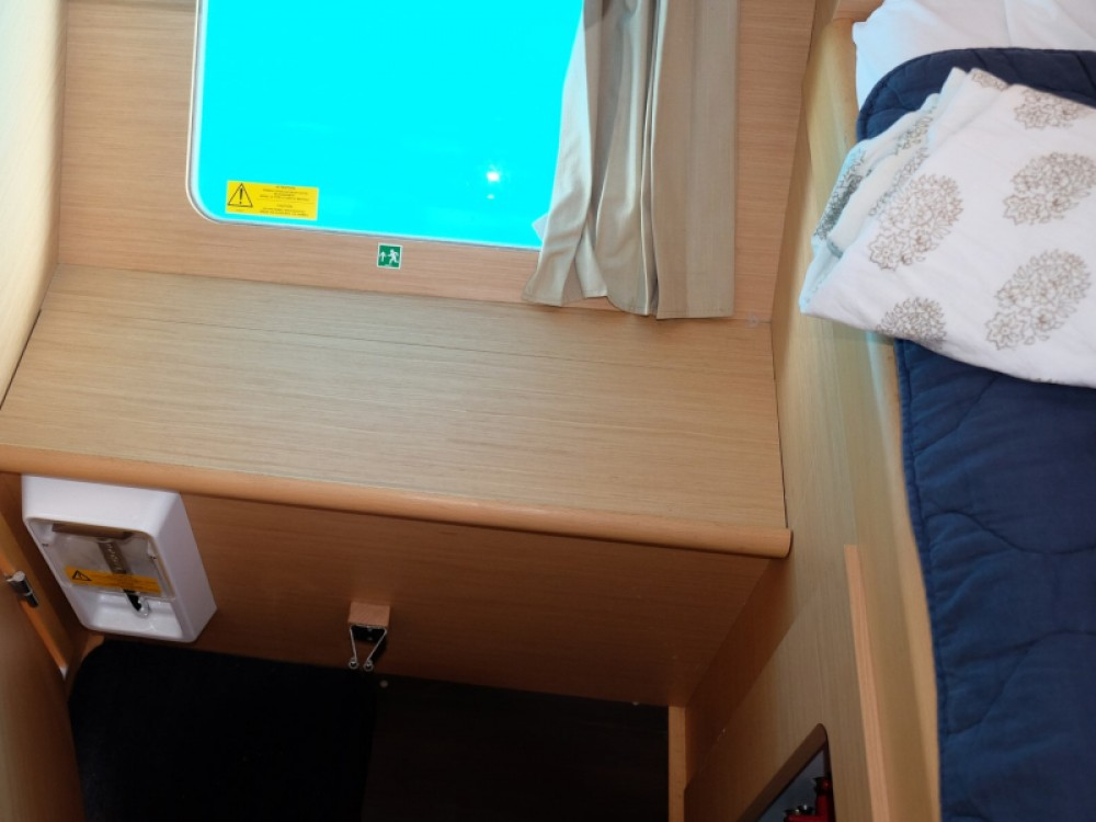 Boat rental Lefkada cheap Lagoon 380