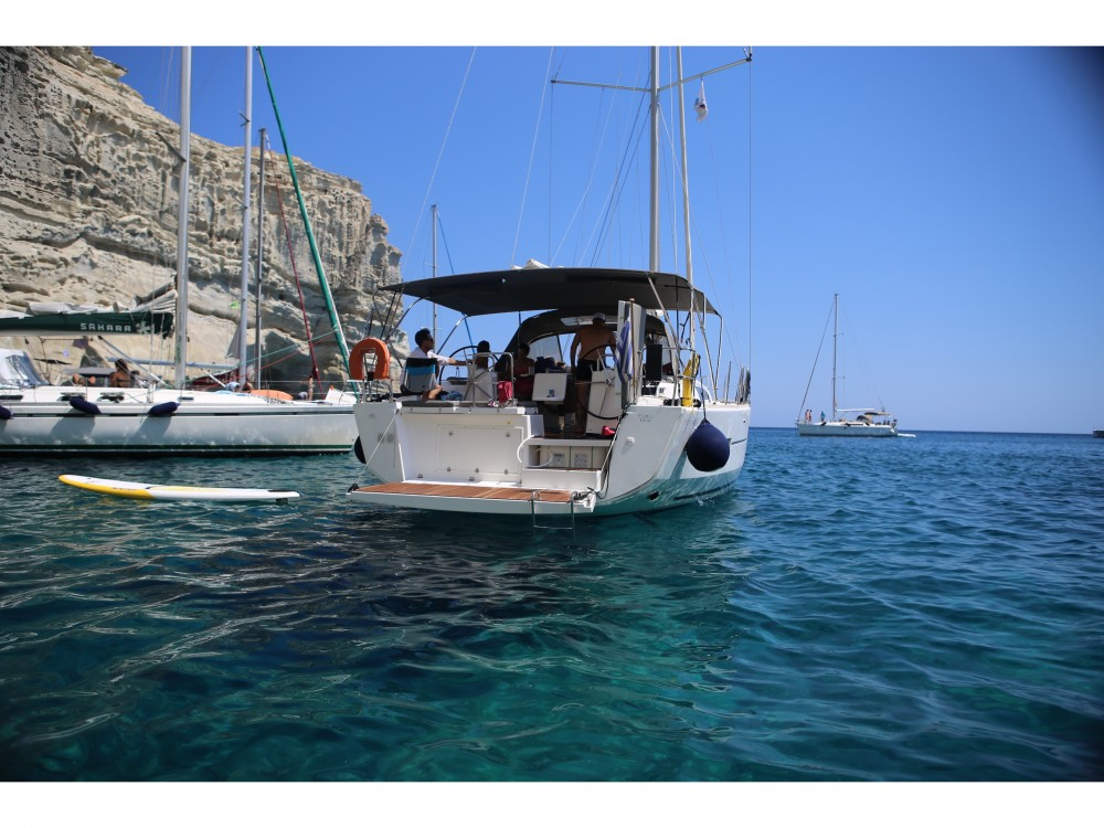 Boat rental Dufour Dufour 460 in Marina Gouvia on Samboat