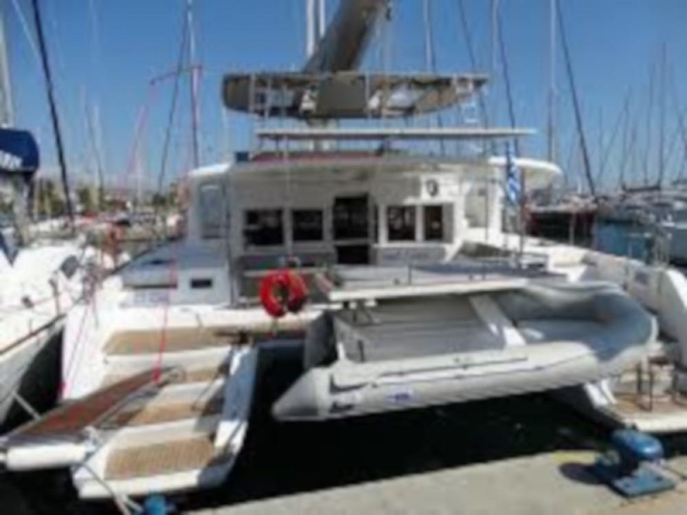 Boat rental Lagoon Lagoon 450  Flybridge in Volos Municipality on Samboat