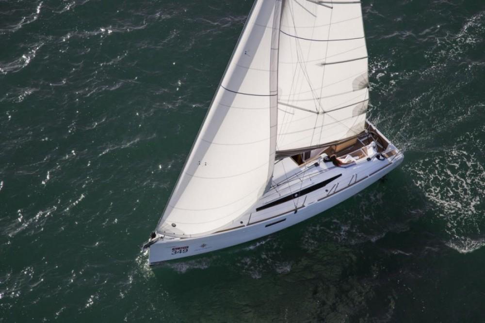 Boat rental Jeanneau Sun Odyssey 349 in Castiglione della Pescaia on Samboat