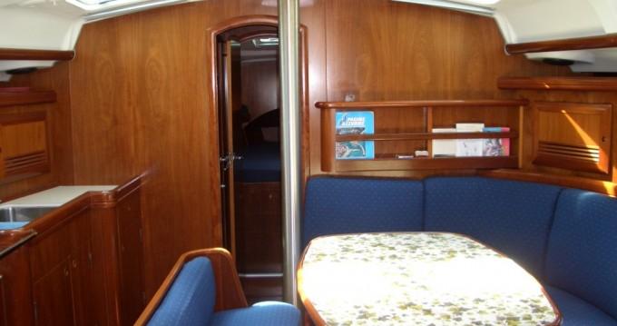 Rental yacht Punta Ala - Bénéteau Oceanis 423 on SamBoat