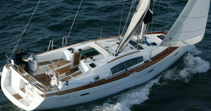 Boat rental Punta Ala cheap Oceanis 40