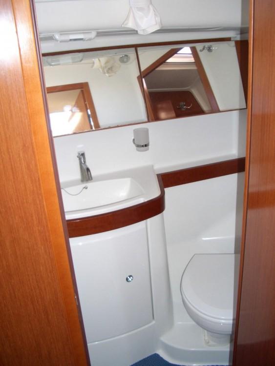 Boat rental Castiglione della Pescaia cheap Oceanis 40