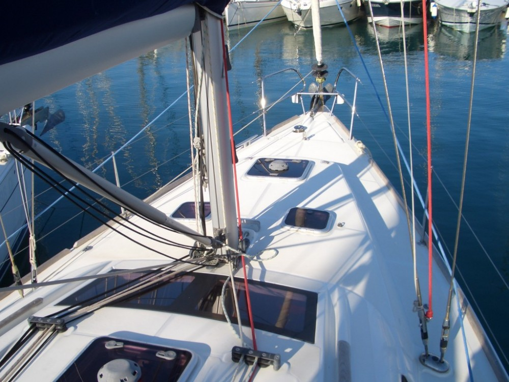 Rental yacht Castiglione della Pescaia - Bénéteau Oceanis 40 on SamBoat