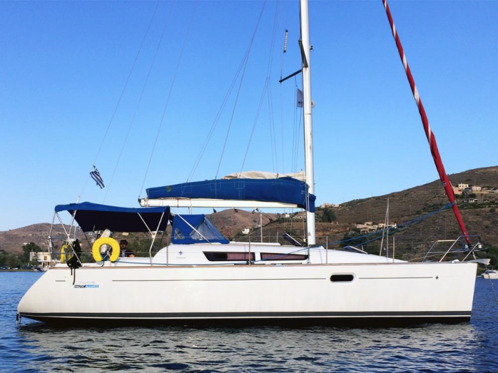 Boat rental Jeanneau Sun Odyssey 36i in Laurium on Samboat