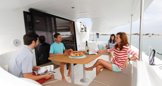 Rental yacht Veruda - Fountaine Pajot Lipari 41 on SamBoat