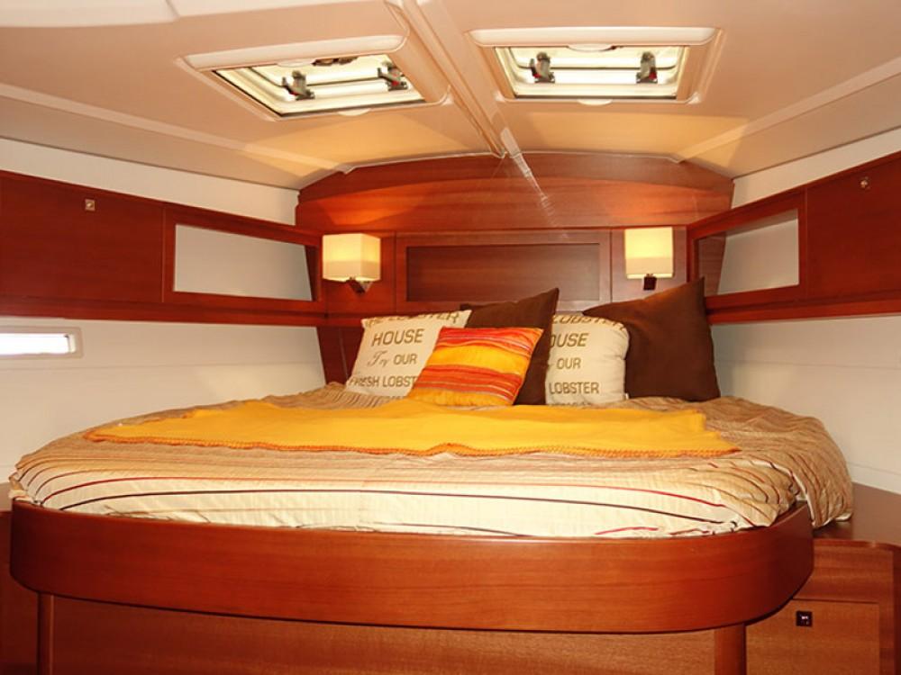 Boat rental Dufour Dufour 450 Owner version in Kaštel Gomilica on Samboat