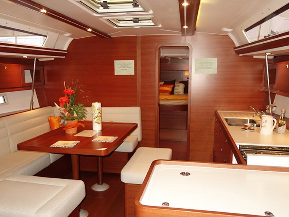 Rental Sailboat in Kaštel Gomilica - Dufour Dufour 450 Owner version