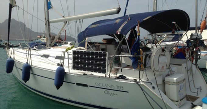 Hire Sailboat with or without skipper Bénéteau Mindelo
