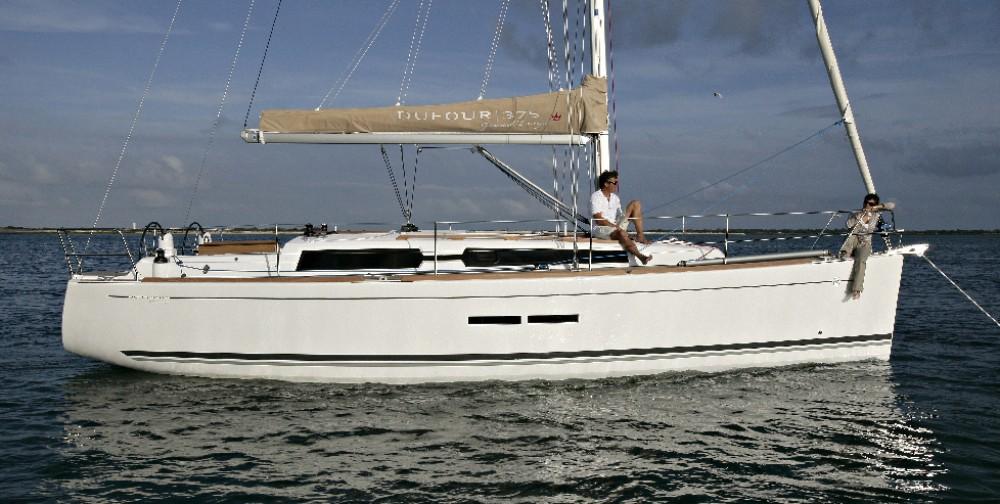 Rental yacht Kaštel Gomilica - Dufour Dufour 375 on SamBoat