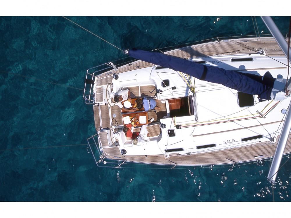 Rental Sailboat in  - Dufour Dufour 385