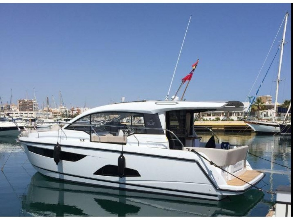 Boat rental Sealine Sealine C330 in Marina Gouvia on Samboat