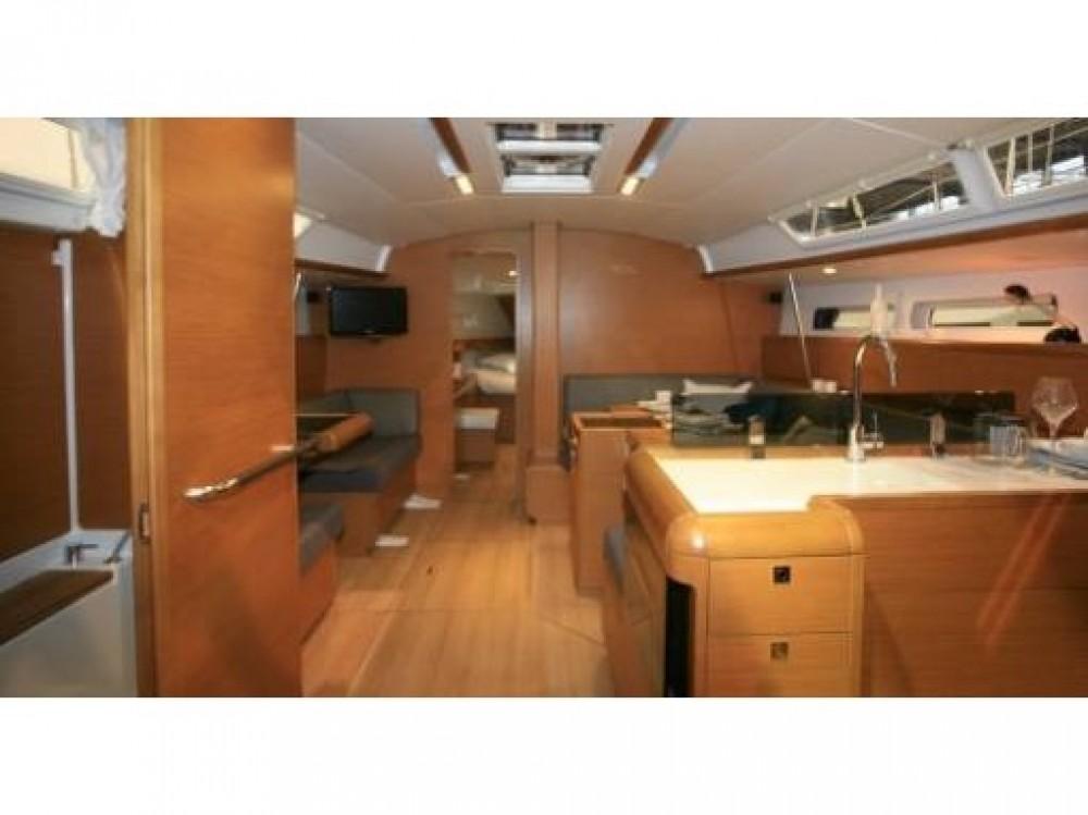 Rental Sailboat in Alimos Marina - Jeanneau Sun Odyssey 439