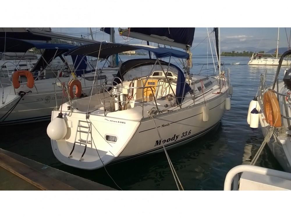Boat rental Moody Moody 336 in Marina Gouvia on Samboat
