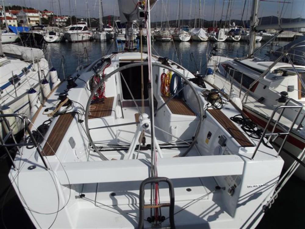 Rental Sailboat in Murter - Bénéteau First 35