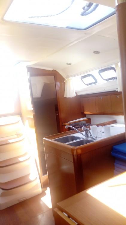 Rental yacht Nikiana - Bénéteau Oceanis 31 on SamBoat