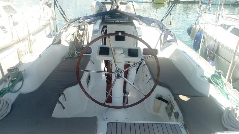 Hire Sailboat with or without skipper Bénéteau Nikiana