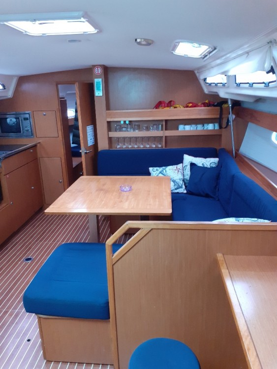 Boat rental Nikiana cheap Bavaria 43 Cruiser