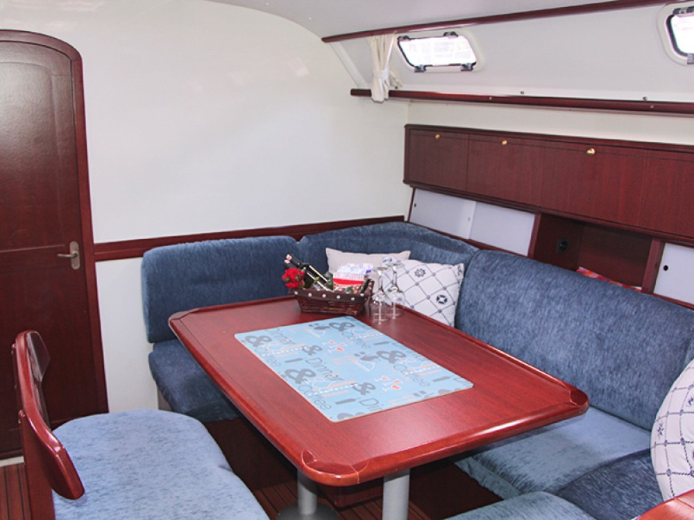 Rent a Poncin Harmony 42